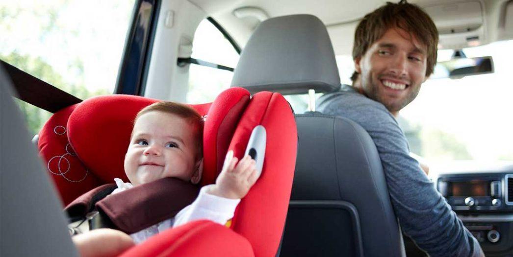 Drumul de la scaune auto pentru copii la centura de siguranta