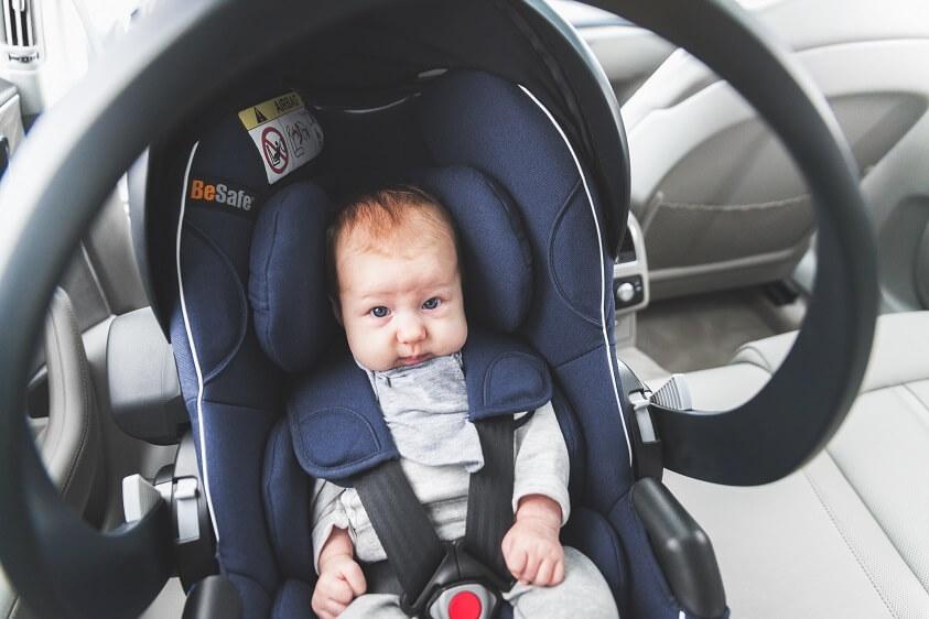 Avantajele unei scoici auto pentru copii
